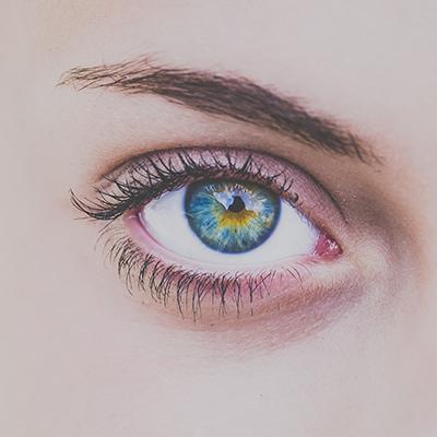 Brillen Lounge Ihr Optiker in Neu Wulmstorf & Buxtehude - Kontaktlinsen Probetragen